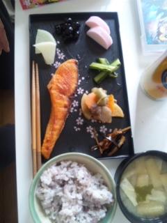 ごはん、鮭定食ぅ_e0114246_22504595.jpg