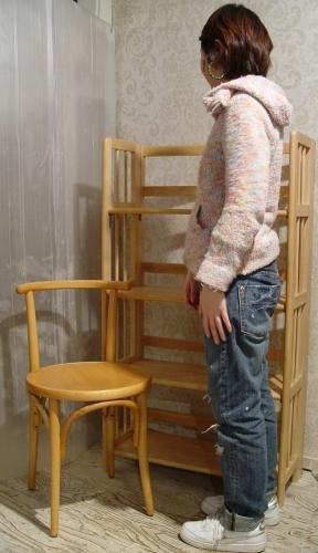 チェコスロバキア製・木のイスと、折りたたみできる棚 入荷!_a0096367_19301094.jpg