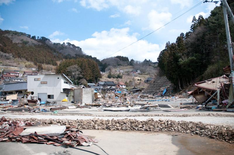 震災から一ヶ月が過ぎて。_a0033881_2259866.jpg