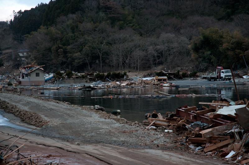 震災から一ヶ月が過ぎて。_a0033881_23444948.jpg