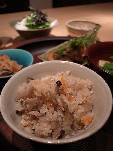 土鍋でかやくご飯_d0145094_8165452.jpg
