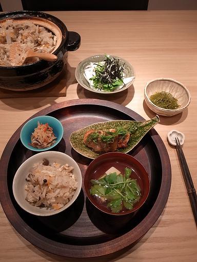 土鍋でかやくご飯_d0145094_8221761.jpg