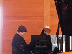 八ヶ岳高原音楽堂でコンサート_f0019247_23385883.jpg