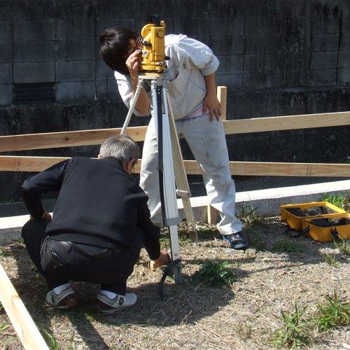 建物の位置決めと木材の手配!_b0112557_2345312.jpg