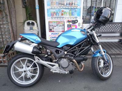 本日のバイク!_f0194657_17115522.jpg