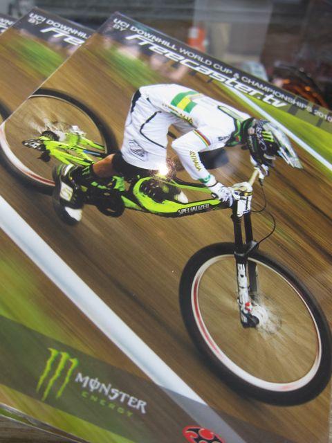 UCI WORLD CUP & CHAMPIONSHIP 2010 DVD_e0069415_17433414.jpg