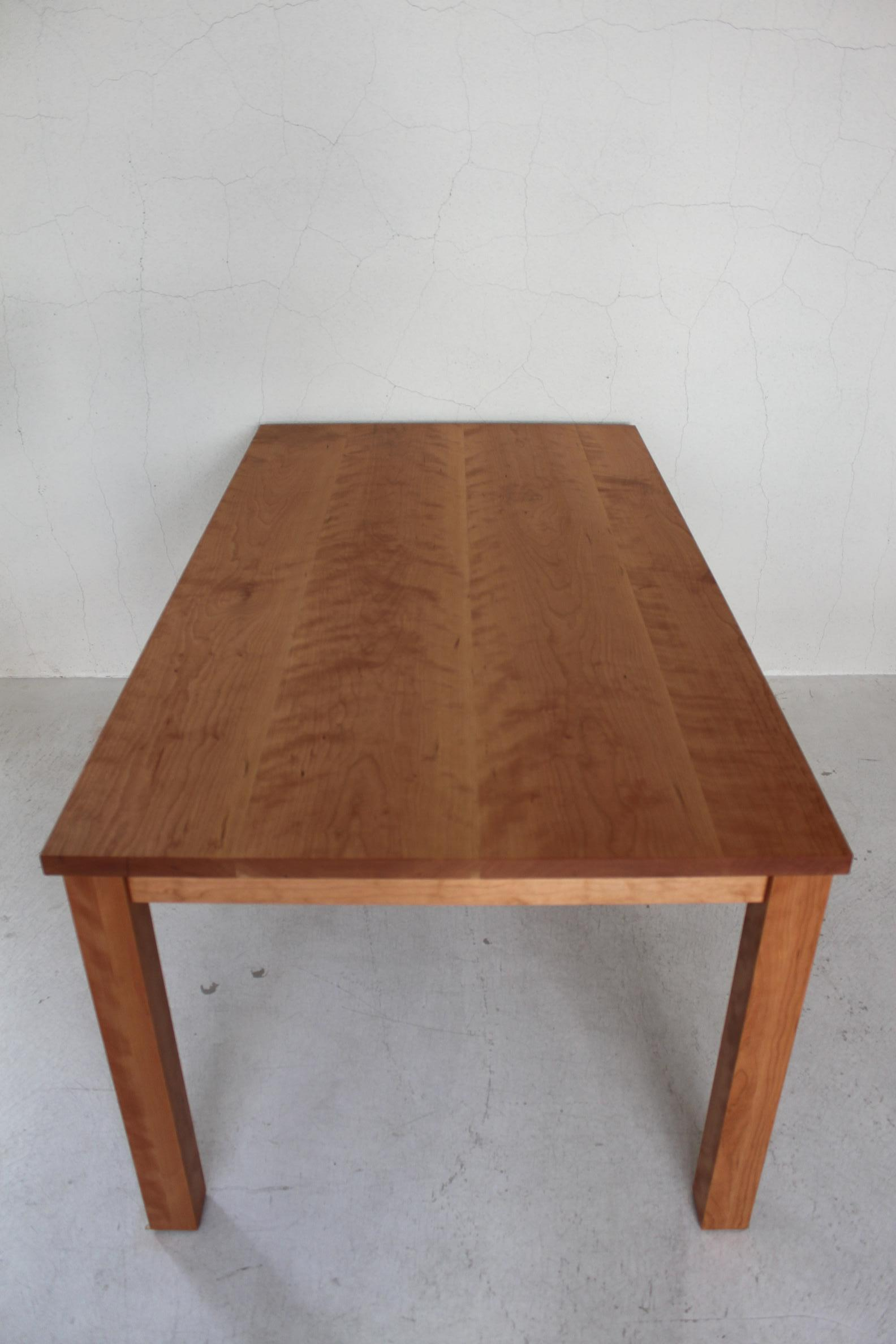 NS DINING TABLE_c0146581_16311926.jpg