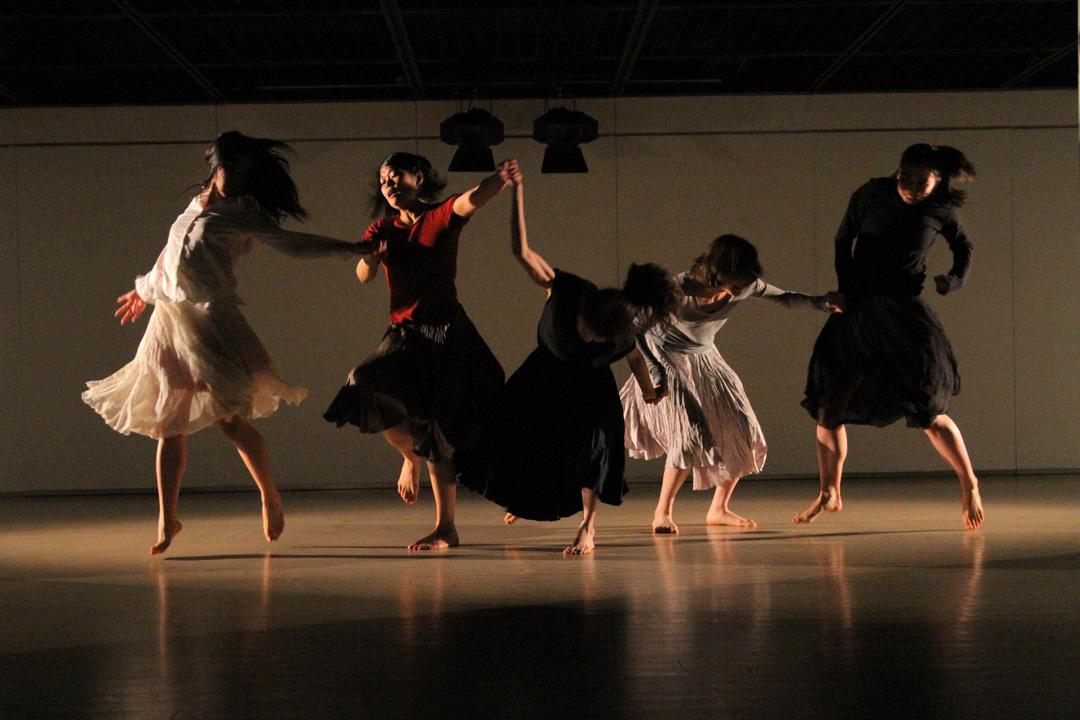 『静かな漠音』のための考察(試作品)@YOKOHAMA DANCE COLLECTION EX2011 _c0000587_233266.jpg