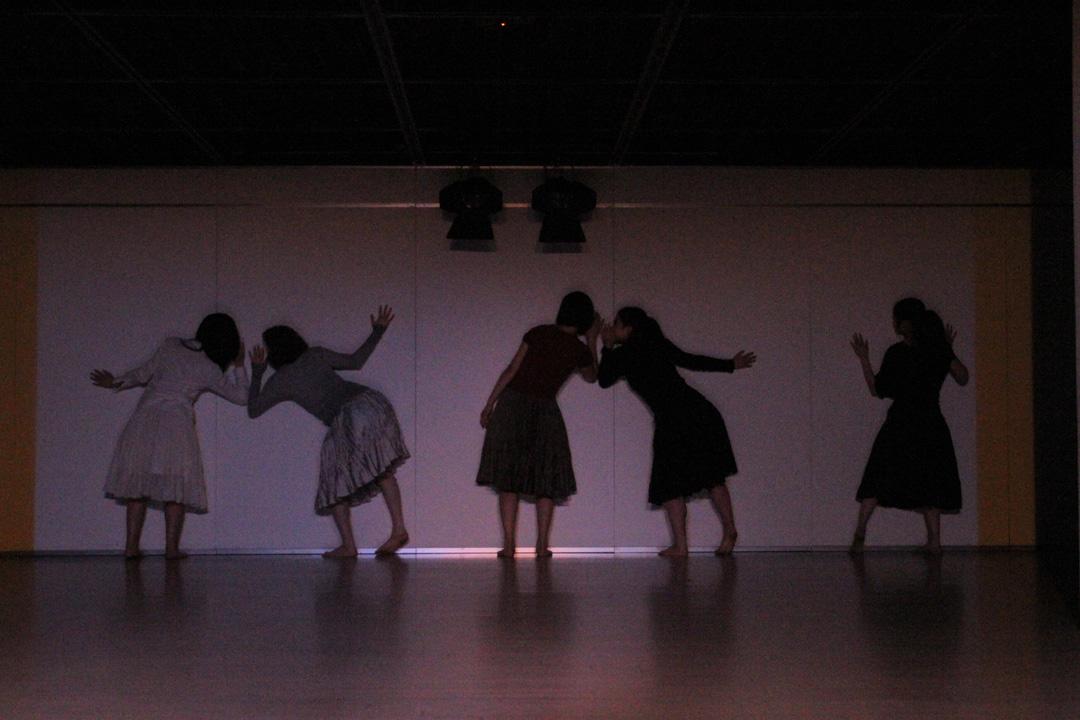 『静かな漠音』のための考察(試作品)@YOKOHAMA DANCE COLLECTION EX2011 _c0000587_2352597.jpg