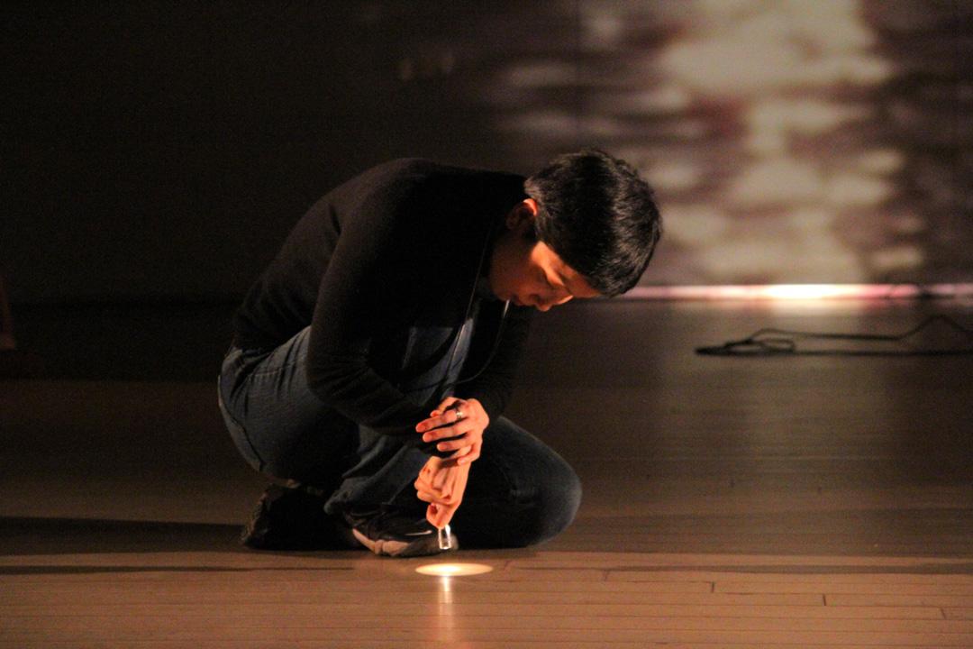 『静かな漠音』のための考察(試作品)@YOKOHAMA DANCE COLLECTION EX2011 _c0000587_2354713.jpg