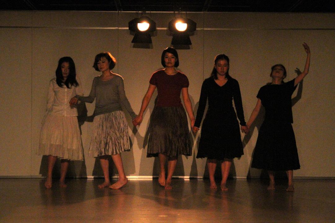 『静かな漠音』のための考察(試作品)@YOKOHAMA DANCE COLLECTION EX2011 _c0000587_235625.jpg
