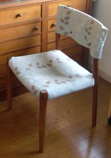 椅子の張り替え_d0018424_16584999.jpg