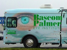 Vision Van(ビジョン・バン)がやってきた_b0102247_21381112.jpg