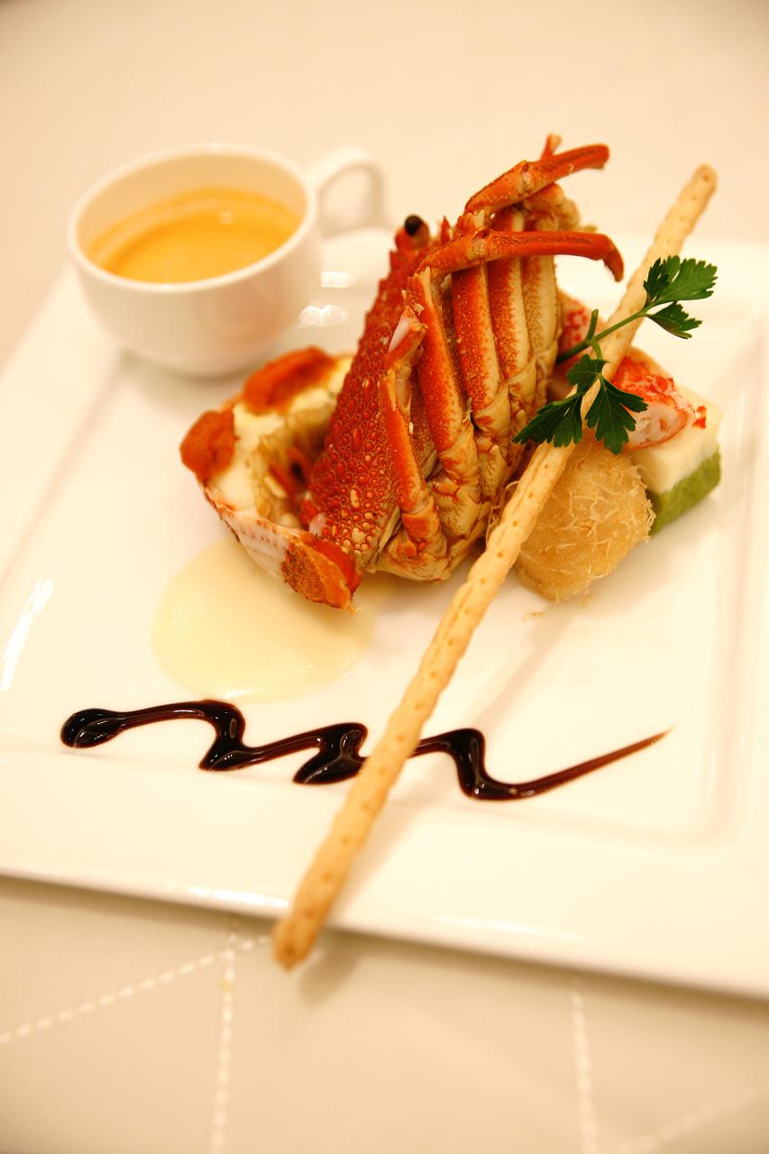 披露宴の料理は美しく、難しい_c0196354_1233518.jpg