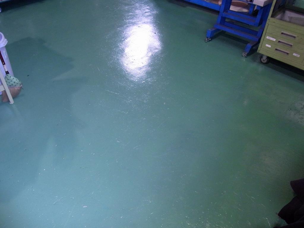床の塗り替え_d0085634_17104836.jpg