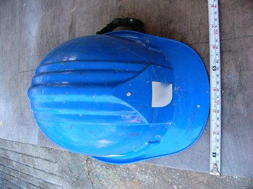 工事用ヘルメットのスケールモデル?_e0146402_23311829.jpg