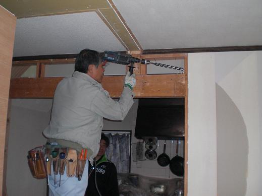 室内改装 ~ 穴あけが多かった電気屋さん。_d0165368_11261756.jpg