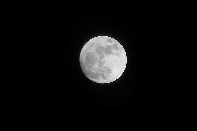 満月_a0160581_21381874.jpg