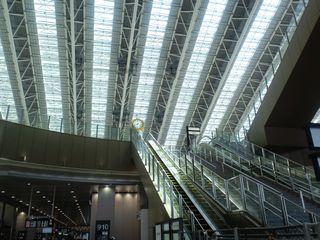 大阪駅、リニューアル中…_f0124083_802534.jpg