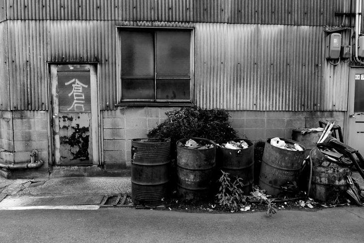 尼崎散歩 ドラム缶_c0181552_5371442.jpg
