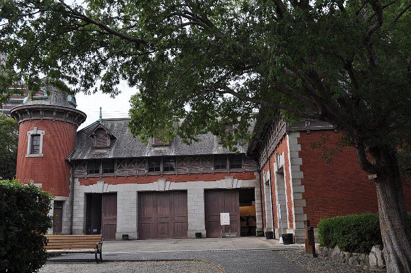 神戸の旧小寺家厩舎_c0112559_1329544.jpg