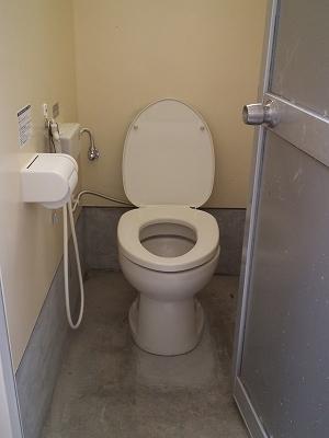 徳浜のトイレが簡易水洗になりました。_e0028387_23454116.jpg