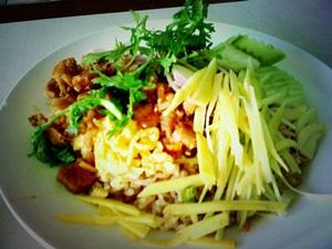 タイのアパートにキッチンがない理由・・_e0182138_22574210.jpg