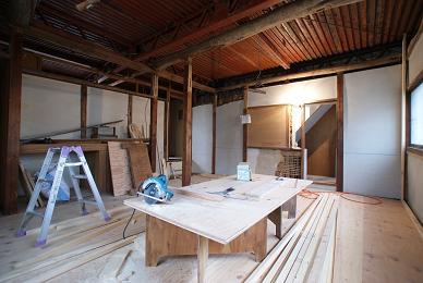 2階の造作へ_f0115152_1224383.jpg