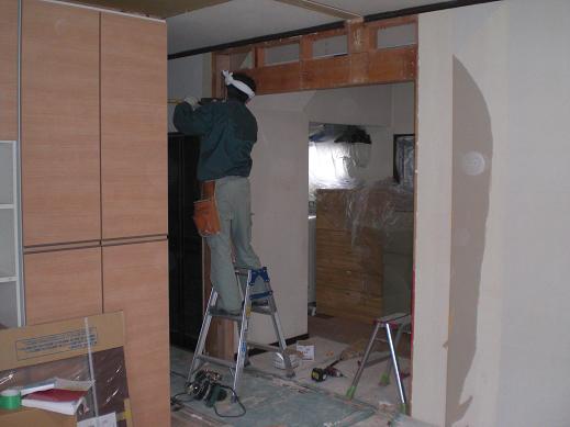 室内改装 ~ キッチンのドア位置を移動して取り替え_d0165368_6131554.jpg