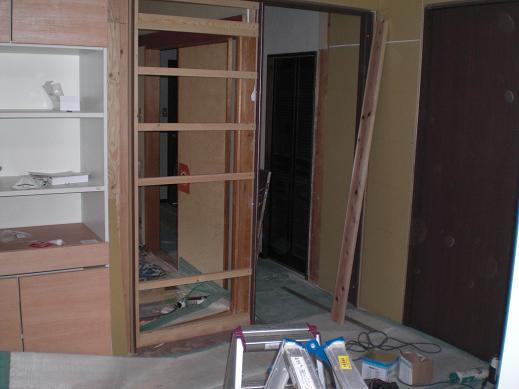 室内改装 ~ リビングもドア位置を移動して取り替え_d0165368_645471.jpg