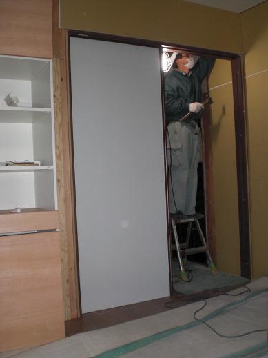 室内改装 ~ リビングもドア位置を移動して取り替え_d0165368_651174.jpg