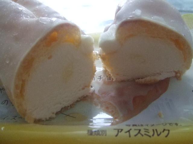 3種のチーズエクレアアイス_f0076001_23532879.jpg