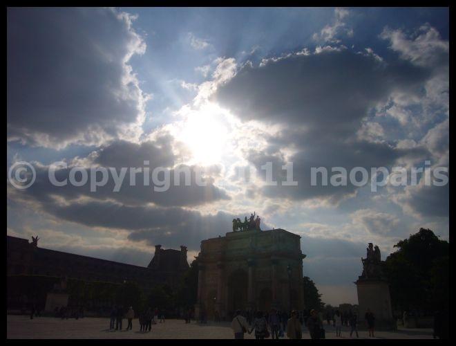 【散歩】ルーヴル、ピラミッド、カルーゼル凱旋門界隈(PARIS)_a0008105_18454820.jpg