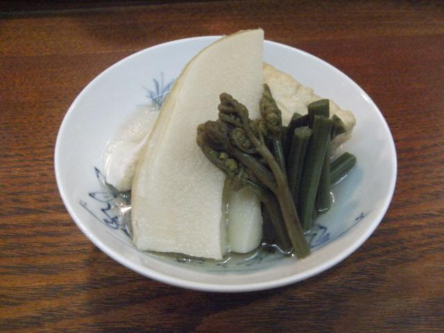 竹の子と厚揚げとワラビの煮物_e0116211_1029265.jpg