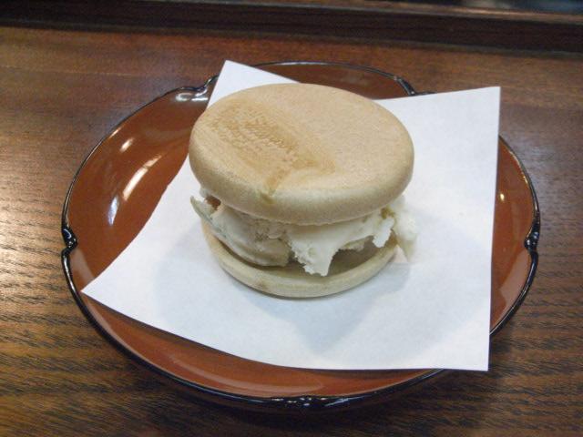 梅酒のアイスクリームの、アイス最中_e0116211_10312914.jpg