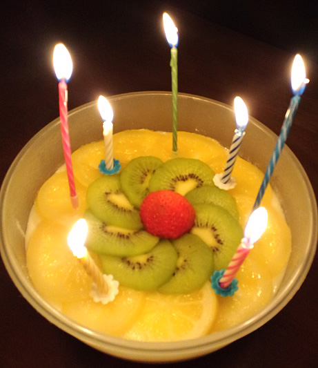 おめでとうケーキ_a0133915_4404962.jpg