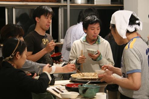 2011.4.23 そば打ちparty by HIGASHIIZUMI ICHIRO 1_a0184716_4595538.jpg