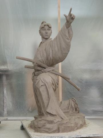 ★銅像の原型_b0145843_23104735.jpg