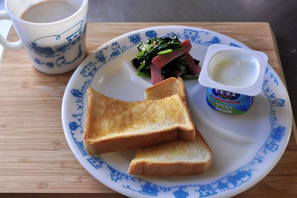 息子シェフ 創作料理とブルートレインプレート朝ごはん_b0138882_10135330.jpg