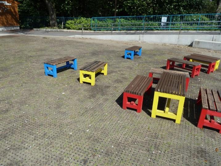 動物園でも椅子が気になる^^_c0152341_1352563.jpg