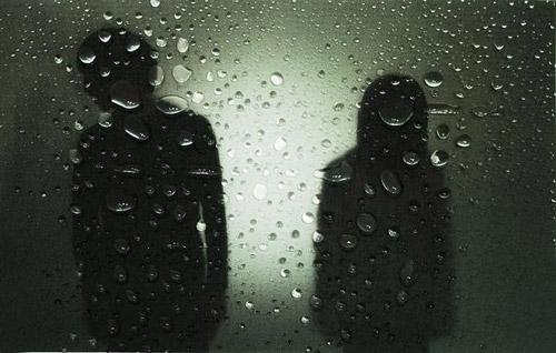 謎のダンス・エレクトロバンド「white white sisters」アルバムの全貌がついに明らかに!_e0197970_16255577.jpg