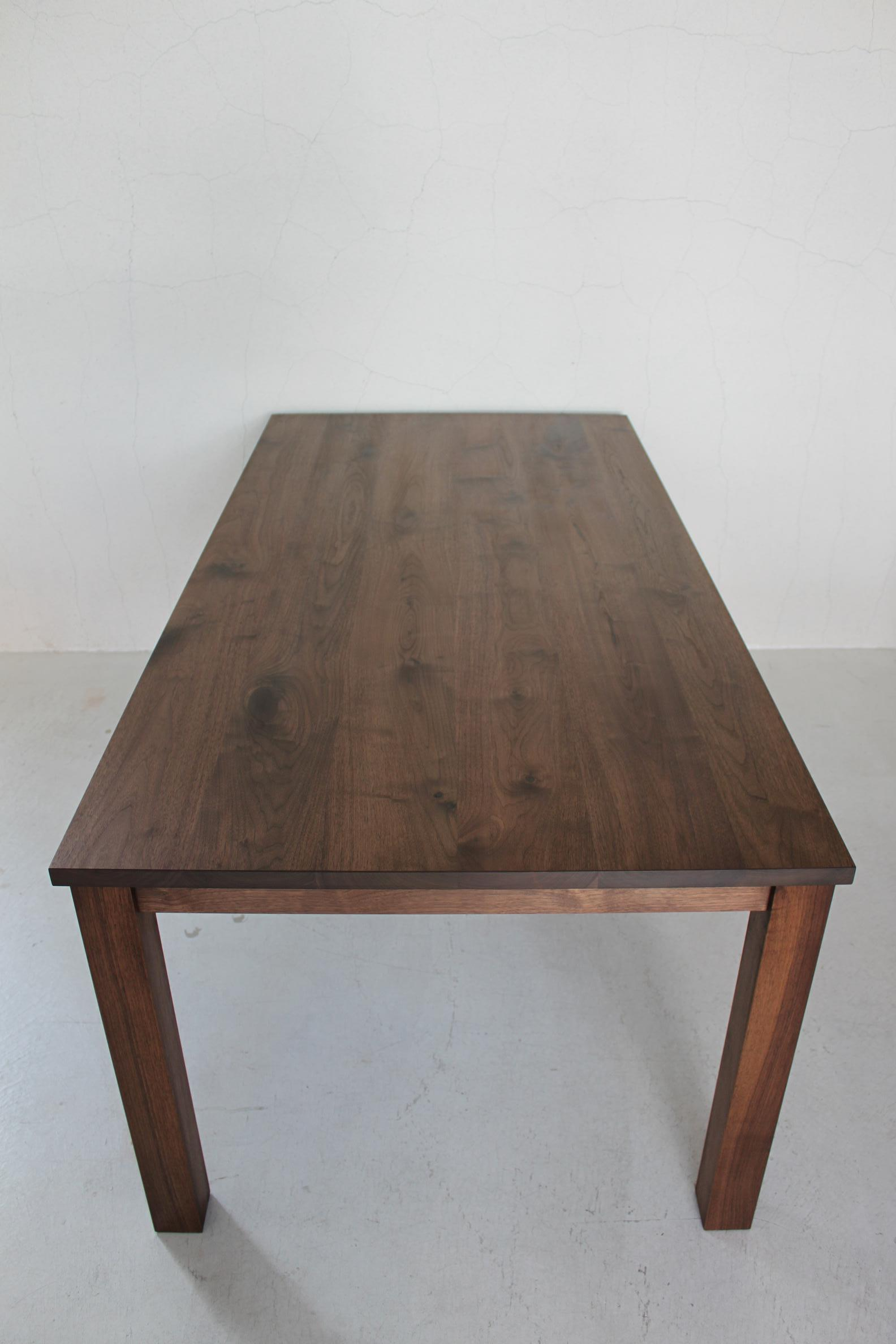 NS DINING TABLE_c0146581_12413233.jpg