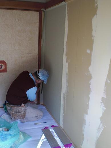 室内改装 ~ クロス工事です。_d0165368_5201213.jpg