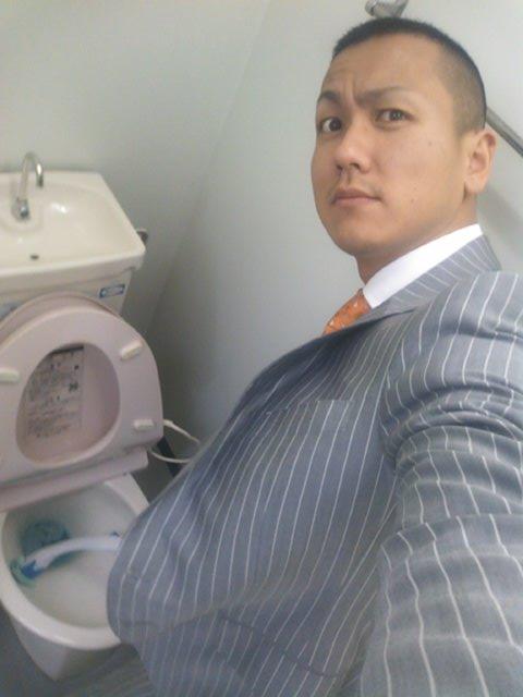 店長のニコニコブログ!F村様 アコードワゴン H瀬様 エスティマ ご成約ありがとうございます!_b0127002_0562280.jpg