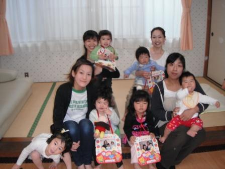 2011.04.21お誕生会_f0142009_11225926.jpg
