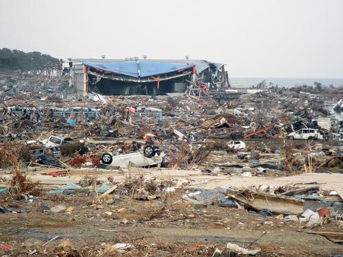 GWはぜひ東北へお出かけになり、手厚い、心からの支援を。気仙沼、被災現場より。_b0032617_13451374.jpg