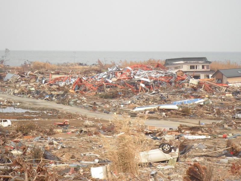 GWはぜひ東北へお出かけになり、手厚い、心からの支援を。気仙沼、被災現場より。_b0032617_13465247.jpg