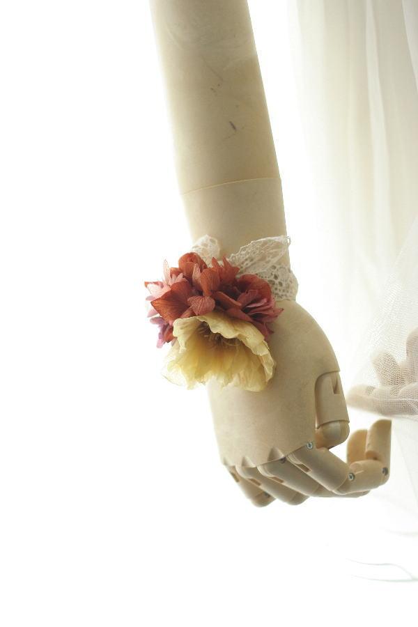 お色直しの花冠とミニブーケとリストレット クランベリーとベージュ _a0042928_9384391.jpg