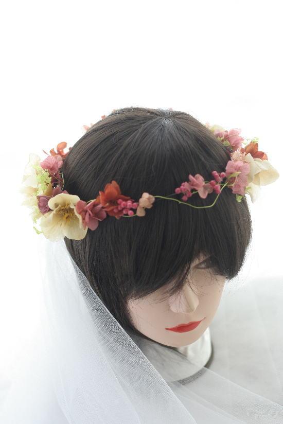 お色直しの花冠とミニブーケとリストレット クランベリーとベージュ _a0042928_939232.jpg
