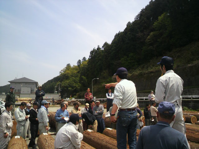北村林業 木材市_c0124828_641339.jpg